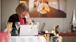 Champagne Tasting - Prestige Cuv�es from 2002 with Jancis Robinson