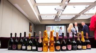 Review: Prestige Cuvée Blanc vs Rosé Champagne Tasting with Essi Avellan